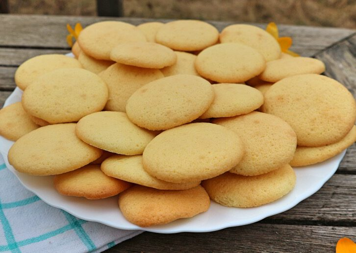 Egg biscuits recipe: how to bake the simplest cookies