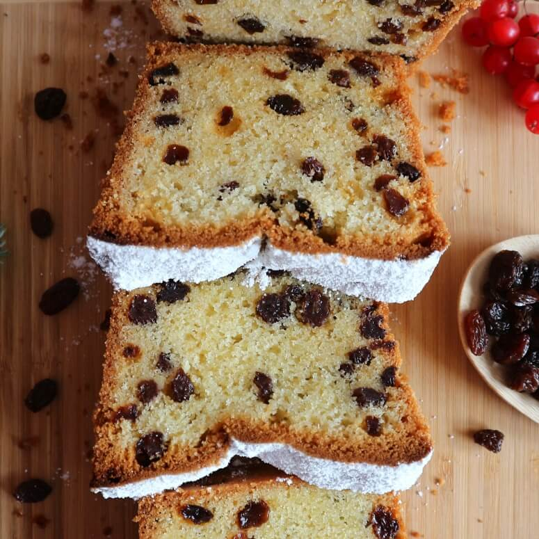Russian loaf cake with raisins